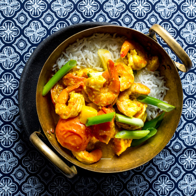 Prawn-and-pineapple coconut curry