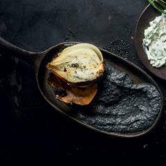 Black onion purée