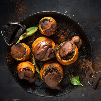 Coal-baked orange-chocolate cakes