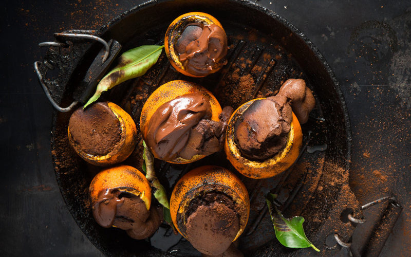 Coal-baked orange-chocolate cakes recipe