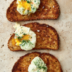 Watch: The easiest way to poach the perfect egg