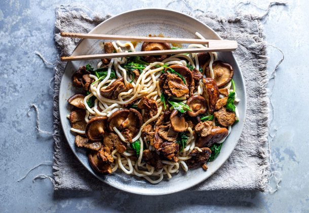 Teriyaki pork and mushrooms on spinach noodles recipe