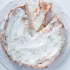 Coconut meringue cake