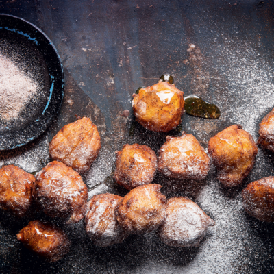 Banana fritters with apple spice