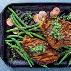 Chargrilled steak and green beans