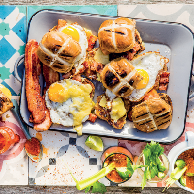 Hot cross bun breakfast butties