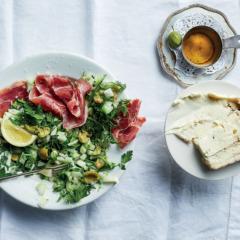 Crunchy fennel truffle salad