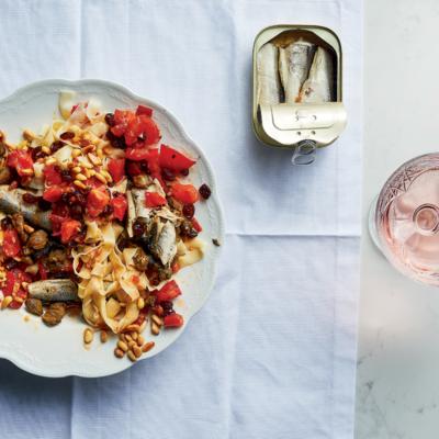 Sardine-and-raisin fettucine