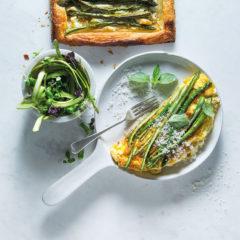 Watch: the fluffiest asparagus soufflé omelette