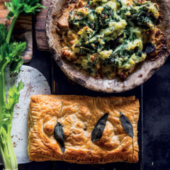 Chicken-and-mushroom ragù pie