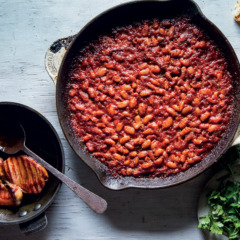 Slow-cooked cowboy beans