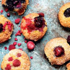 Vegan berry muffins
