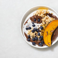 Chocolate avo oat bowl