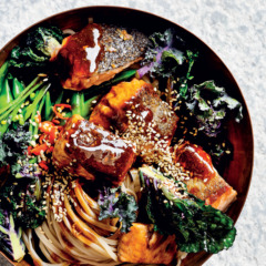 Teriyaki salmon noodle bowls
