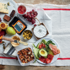The 6 parts of a perfect picnic basket