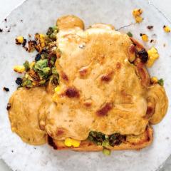 Welsh rarebit on toast with corn and leeks