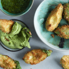 Panko-crumbed avo chips