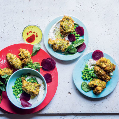 Goat's cheese and pea fritters with beetroot