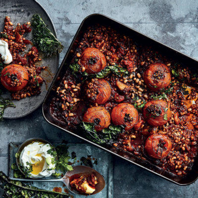 Smoky paprika-and-tomato baked barley and beans