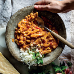 One-pot chickpea-and-tomato pasta