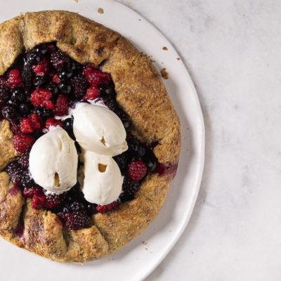 Rustic berry-and-pistachio pie