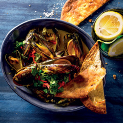Indian curried mussels
