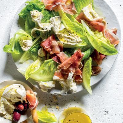 Torn salad with prosciutto and mozzarella