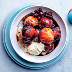 Baked nectarines and peaches with ice cream