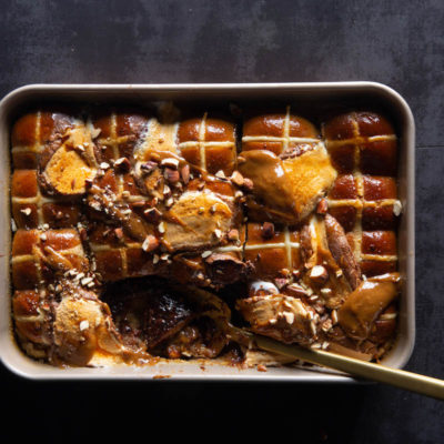 Hot cross bun ice-cream bake