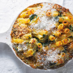 Baked rigatoni with ricotta, shallots and spinach