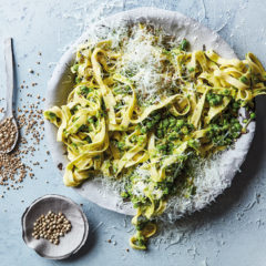 Pepper-and-onion salt-smashed pea pasta