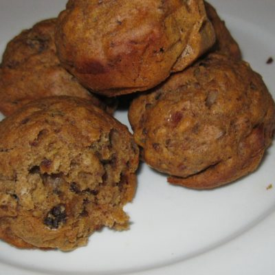 Date, ginger and cinnamon muffins