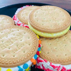 Marshmallow Marie biscuit sandwiches