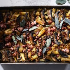 Cheesy mushroom-and-bacon rigatoni bake