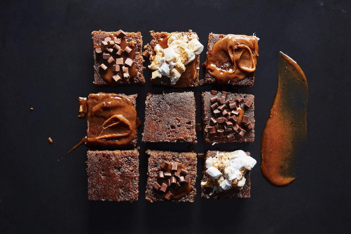 chocolate and gingerbread tray sponge