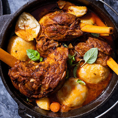 Lamb shank potjie with dombolo