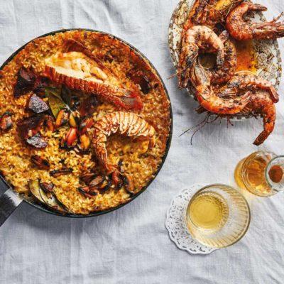 Seafood potjie paella