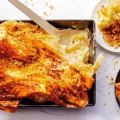 Cheesy cauliflower tray bake