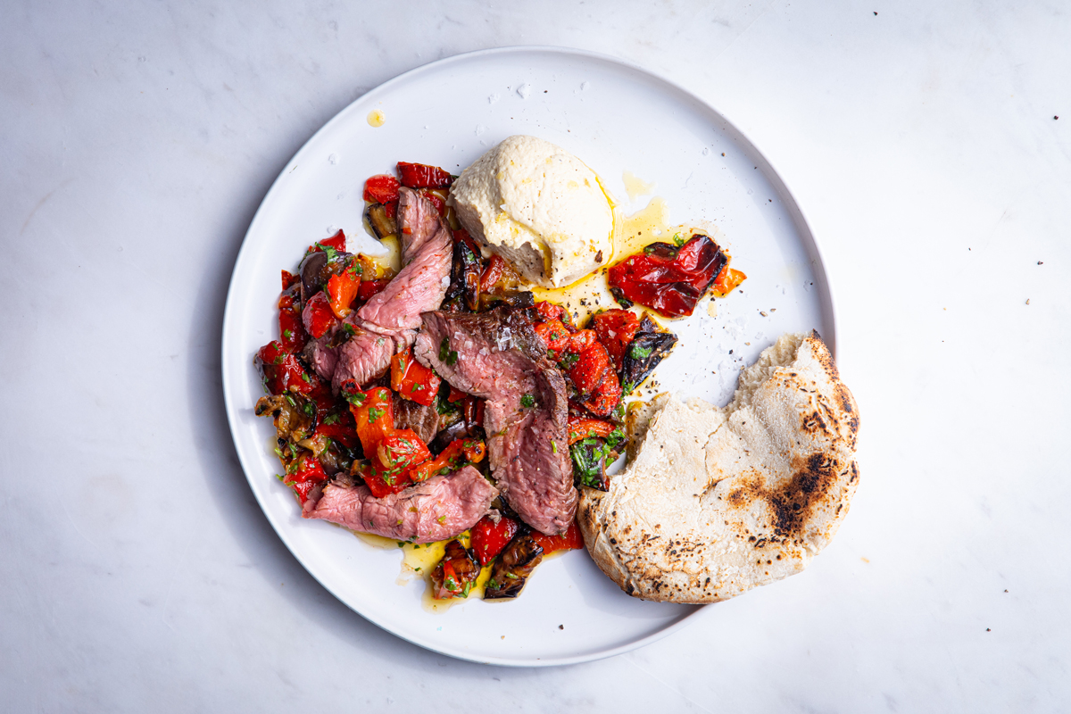 STEAK-SALAD-WITH-RED-PEPPERS-AND-BRINJAL