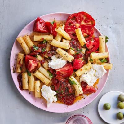 Sundried tomato pasta salad