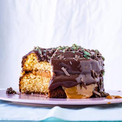 Peppermint Crisp tsunami cake