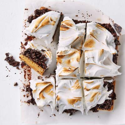Chocolate rice krispie marshmallow blondies