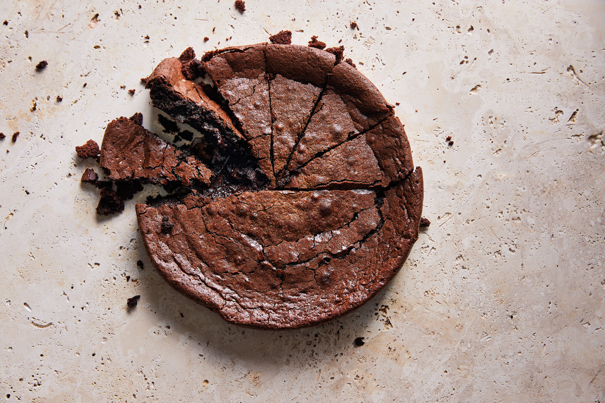 ULTIMATE-FLOURLESS-CHOCOLATE-CAKE
