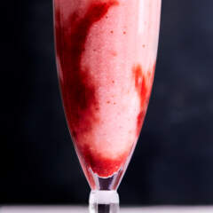 Mageu with strawberry coulis