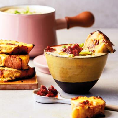 Cauliflower soup with cheesy garlic bread