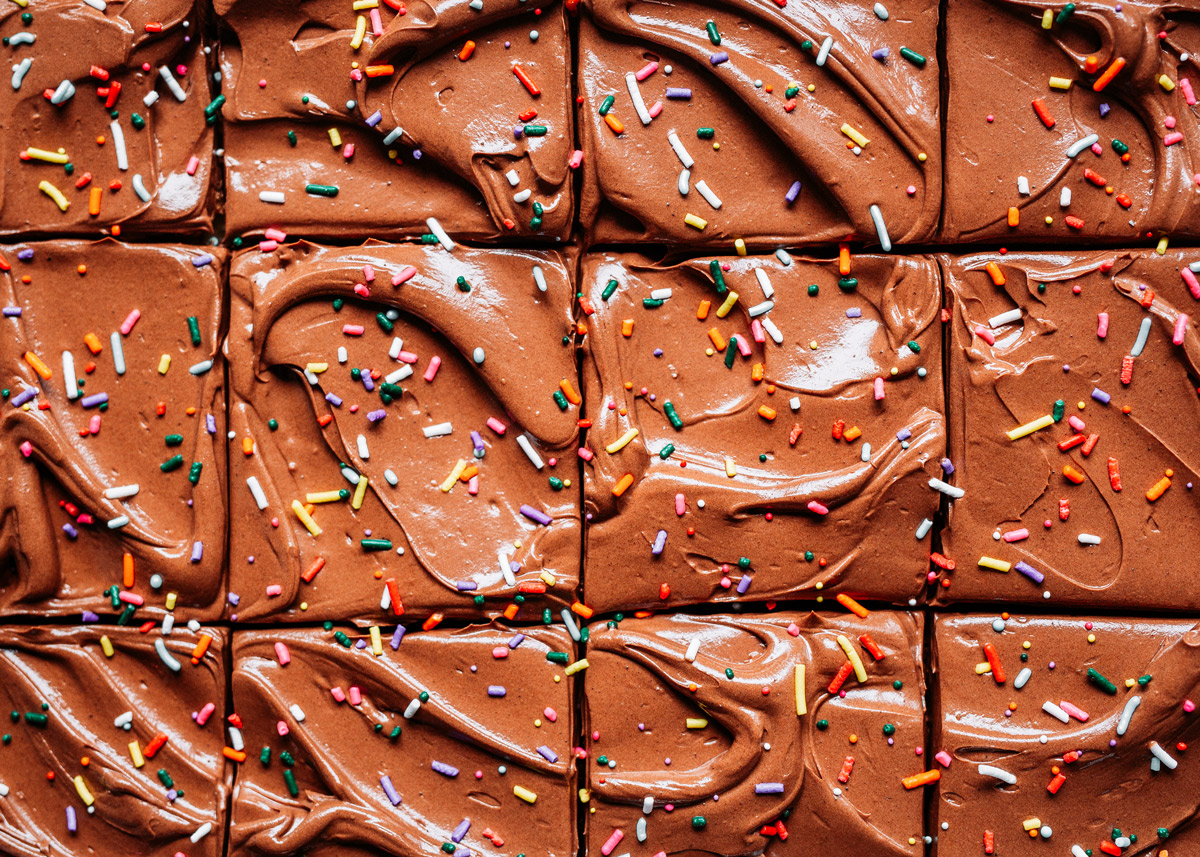 Classic-Birthday-Cake-with-Fudge-Frosting
