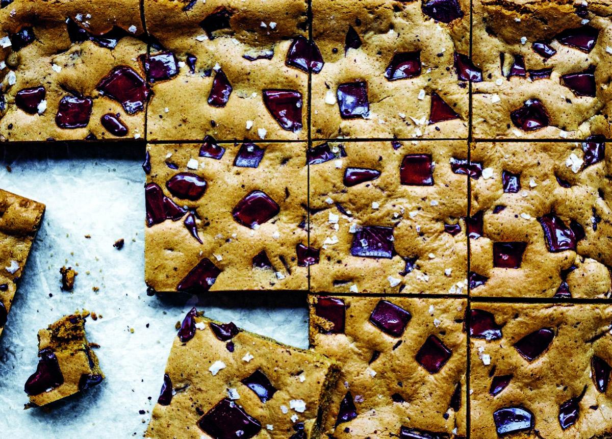 Salted-Tahini-Chocolate-Chunk-Cookie-Bars