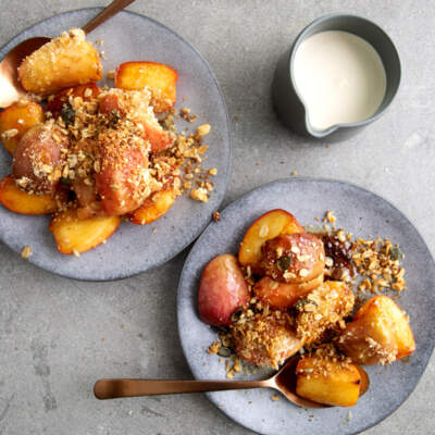 Top red and royal gala apple crumble