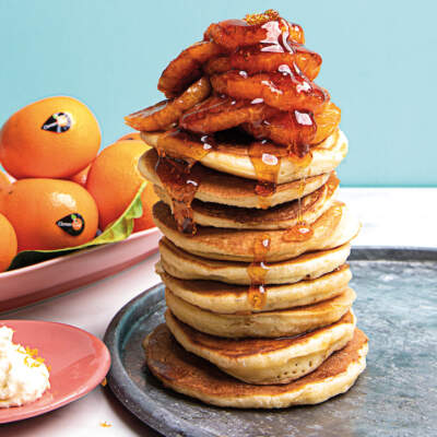Fluffy flapjacks with caramelised ClemenGold® mandarins