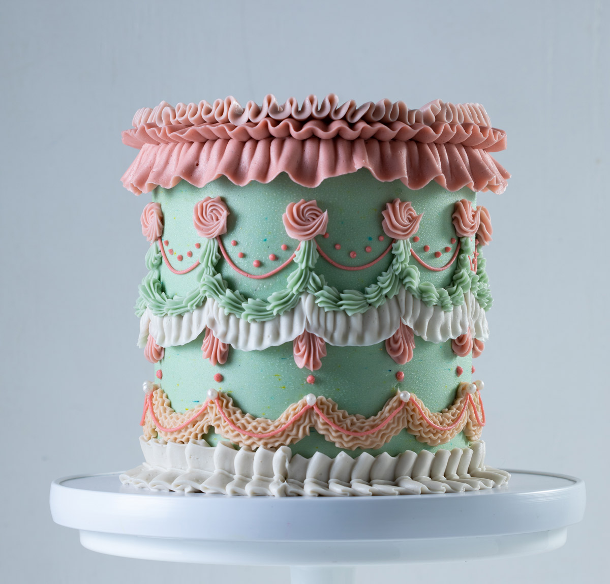 sweet-lion-heart-cake